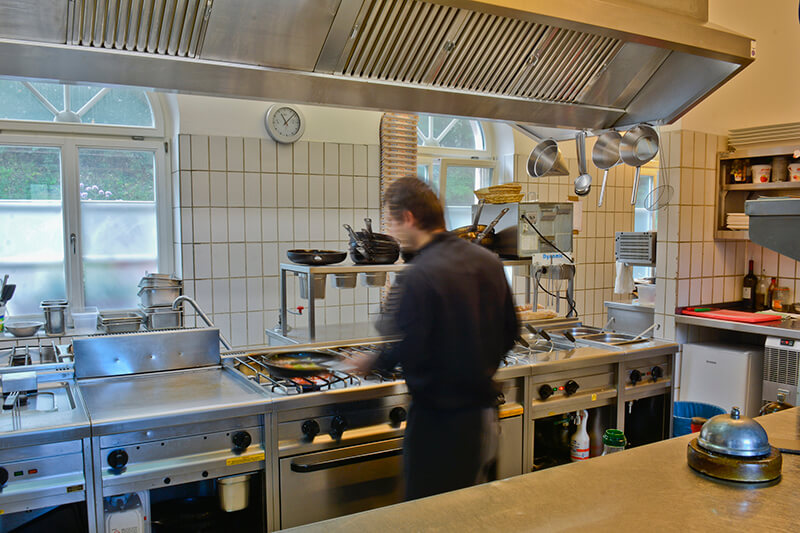 015-ristorante-castello-belvedere-bad-brueckenau-kueche