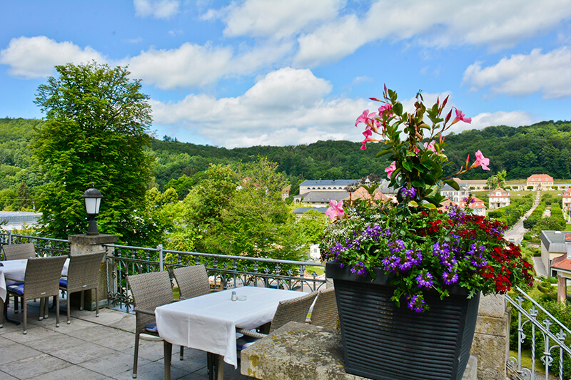 023-ristorante-castello-belvedere-bad-brueckenau-terrasse